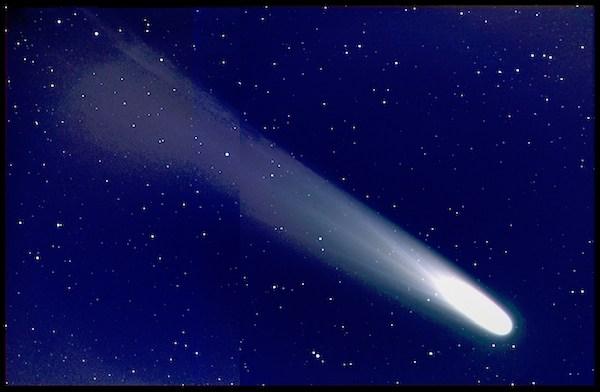 Apa itu Komet? Komposisi, Pembentukan dan Kematiannya