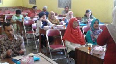 """Gayung Bersambut  """"Workshop Parenting Orang Tua Siswa"""""""